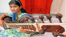 Pakistani Hindu girl, Pakistan, Hindus, girlw, Sitar, Ustad Raees Khan, Video