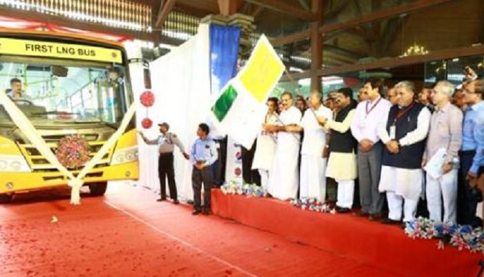 LNG, bus, Kerala, India, pic, Pinarayi Vijayan, Thiruvananthapuram,Minister of Petroleum & Natural Gas, Dharmendra Pradhan