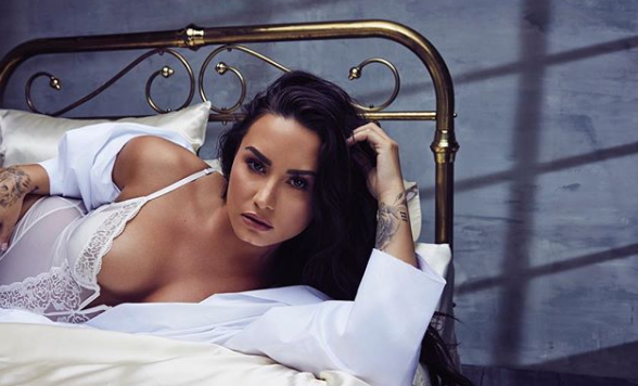Demi Lovato, India, Music, cellulite, stretch marks, thigh gap, fashion,