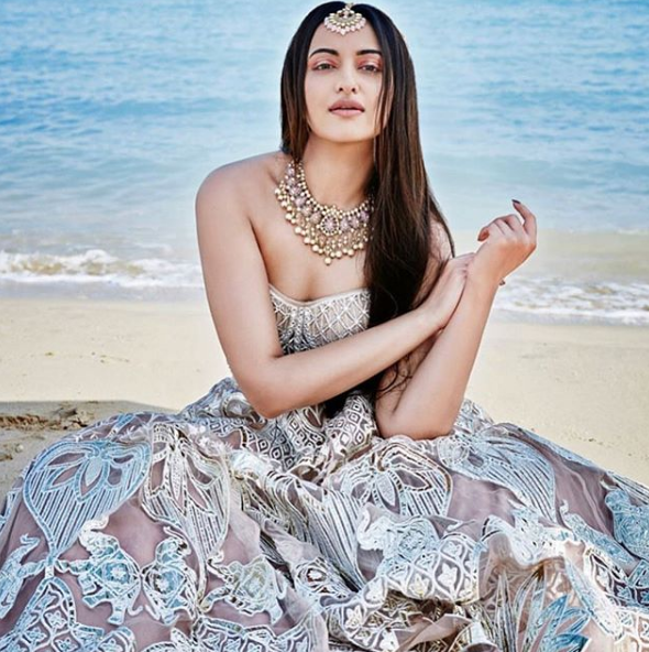 Sonakshi Sinha, Bollywood, movies,latest pictures, movies, photos,