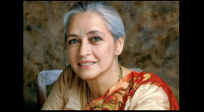 Nafisa Ali, Life In A Metro, Junoo, Major Saab, cancer, Congress, Sonia Gandhi