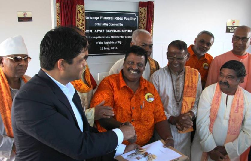 Fijian Hindus with the Acting Prime Minister and the Attorney General, Aiyaz Sayed-Khaiyum.