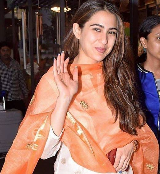 Varun Dhawan, Sara Ali Khan, hottest pics, latest news, Coolie No 1, David Dhawan, Karishma Kapoor, Govinda, latest movies, Bollywood, dances, Hottest pics