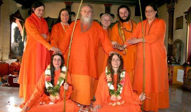 Italian Hindus, Hindus in Italy, survey, census, population, Temples, cows, beliefs, yoga